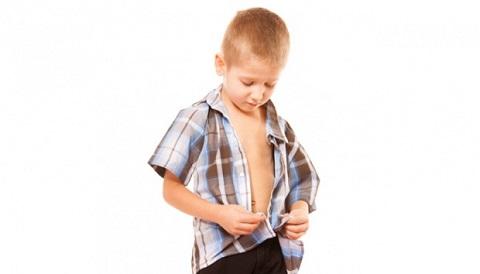 Mengajarkan Anak Memakai Baju Sendiri