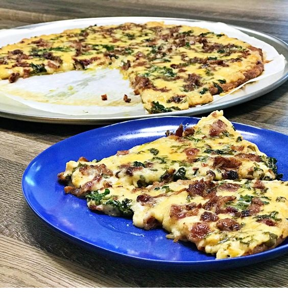 Keto Bacon Alfredo Pizza Recipe