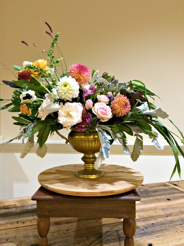 flower arrangement, dahlias, how to arrange flowers, flower tips and tricks