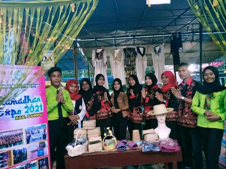 Mahasiswa STIPAR Soromandi-Bima Ikut Berpartisipasi Pada Kegiatan Ramadhan Expo di Dompu