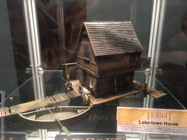 Games Workshop: Upcoming The Hobbit - Plastic Lake Town House