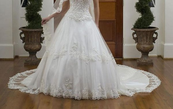 wedding: 5 of The Most Expensive Wedding Dresses Ever