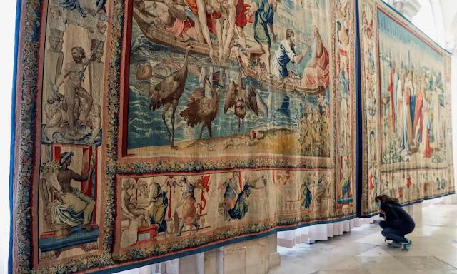 Οι περίφημες ταπισερί του Ραφαήλ στο παλάτι της Μαδρίτης κινδυνεύουν από τα περιστέρια