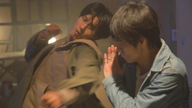 two men fighting