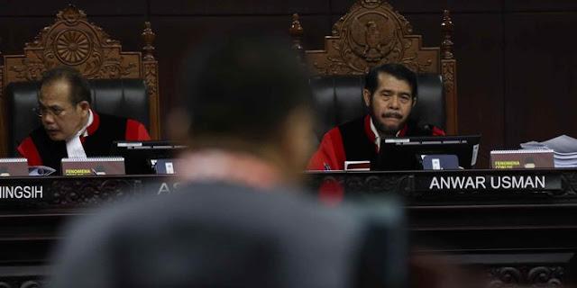 Ditolak KPU dan Kubu Jokowi, MK Tetap Terima Perbaikan Tim Prabowo