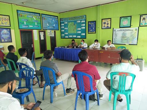 Rapat Koordinasi Pelaksanaan Vaksin Massal di Desa Sekotong Tengah.Rabu (7/7/2021)