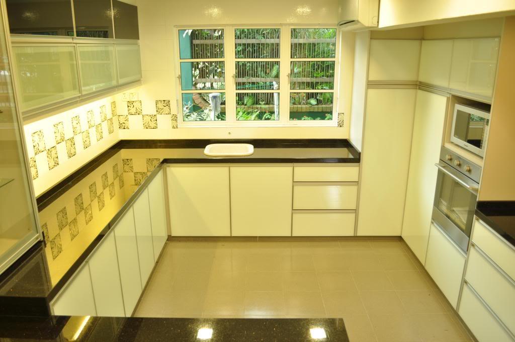 Tips Memilih Keserasian Warna Dinding Dapur Dengan Kitchen Cabinet