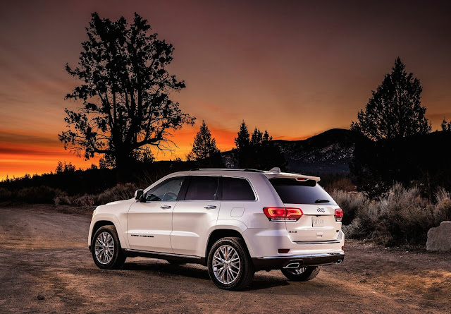 2016 Jeep Grand Cherokee Summit white