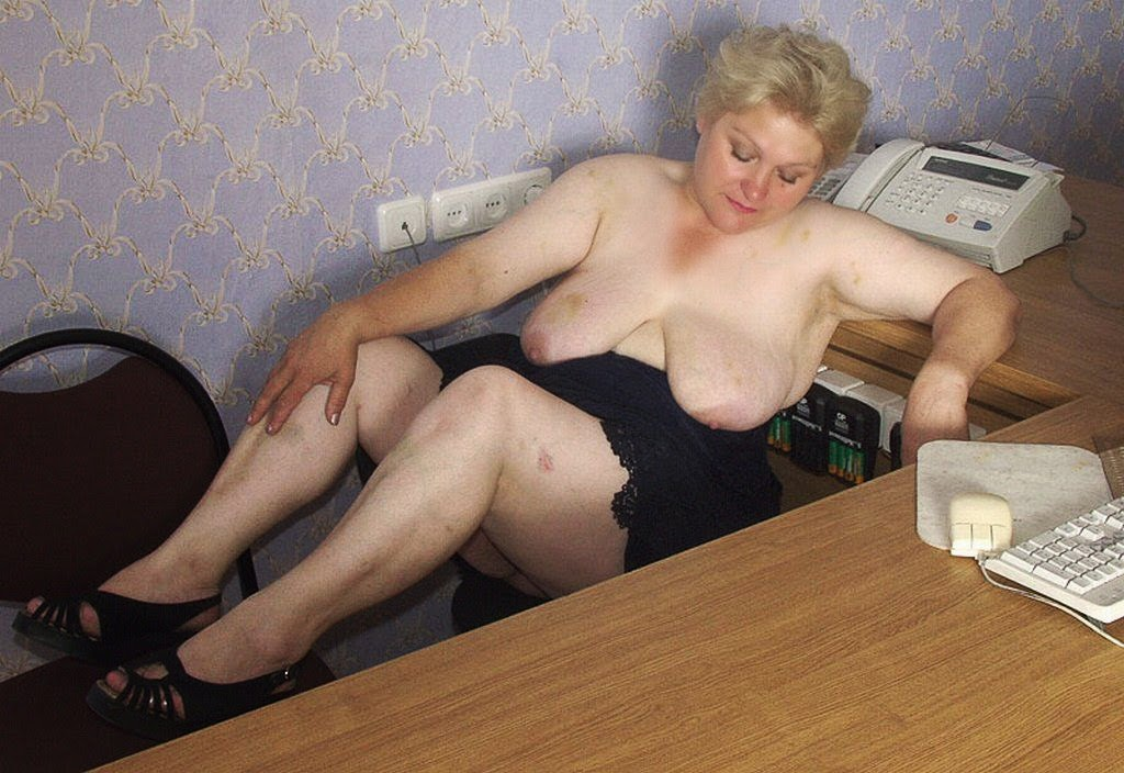 Free Naked Granny Photos