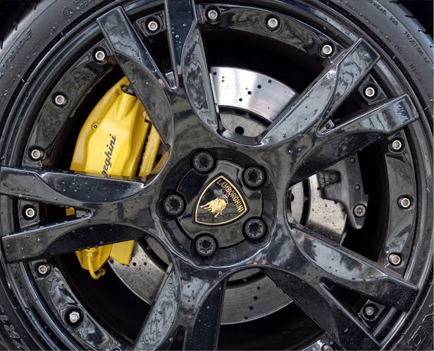 Car disc along with brake caliper