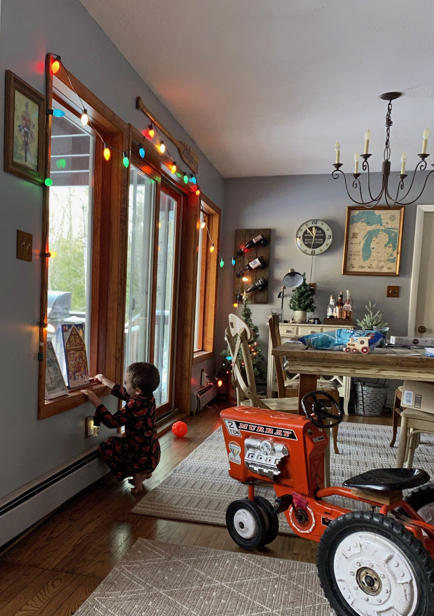 Keeping the Christmas Lights Up | www.biblio-style.com