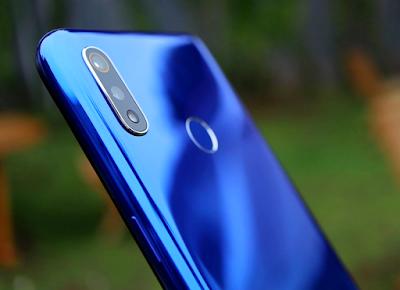 Realme 3 4/64GB Handphone harga 2 jutaan terbaik 2020