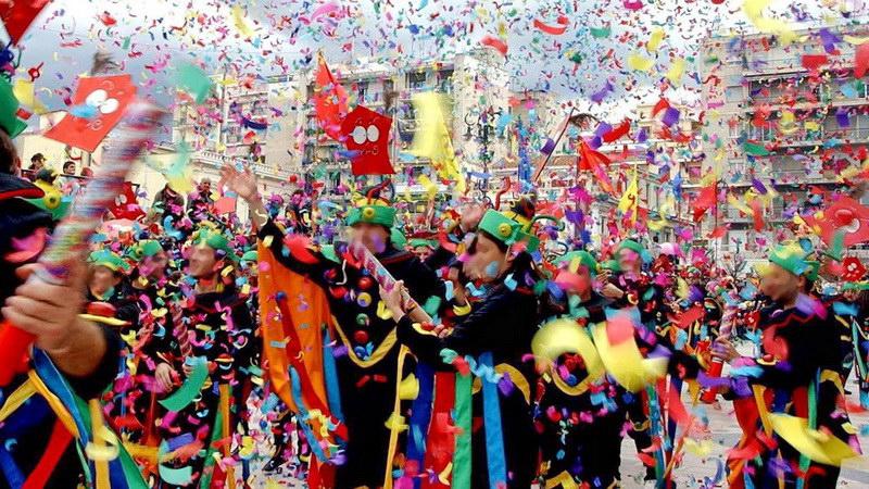 Κοροναϊός: Ματαιώνονται όλες οι καρναβαλικές εκδηλώσεις σε όλη τη χώρα