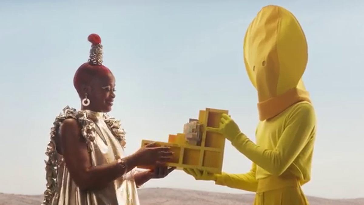 ティエラ・ワックがレゴとコラボした『LINK』のミュージックビデオ公開