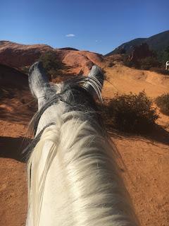 Colorado, Riitta reissaa, provence, Ranska, ratsastusmatkat, Horsexplore