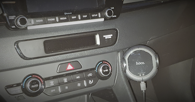 Car Mount Qi Wireless Fast Charger installed in the car