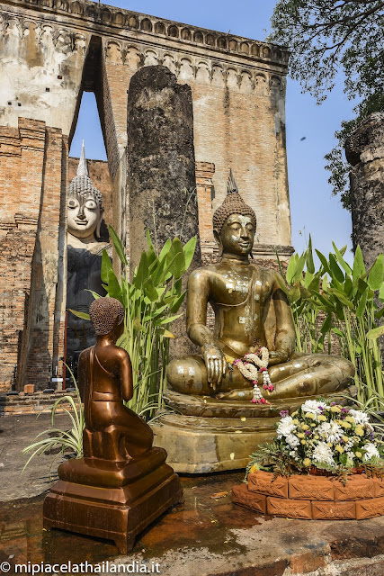 Wat Si Chum, Sukhothai, entrance to mandapa