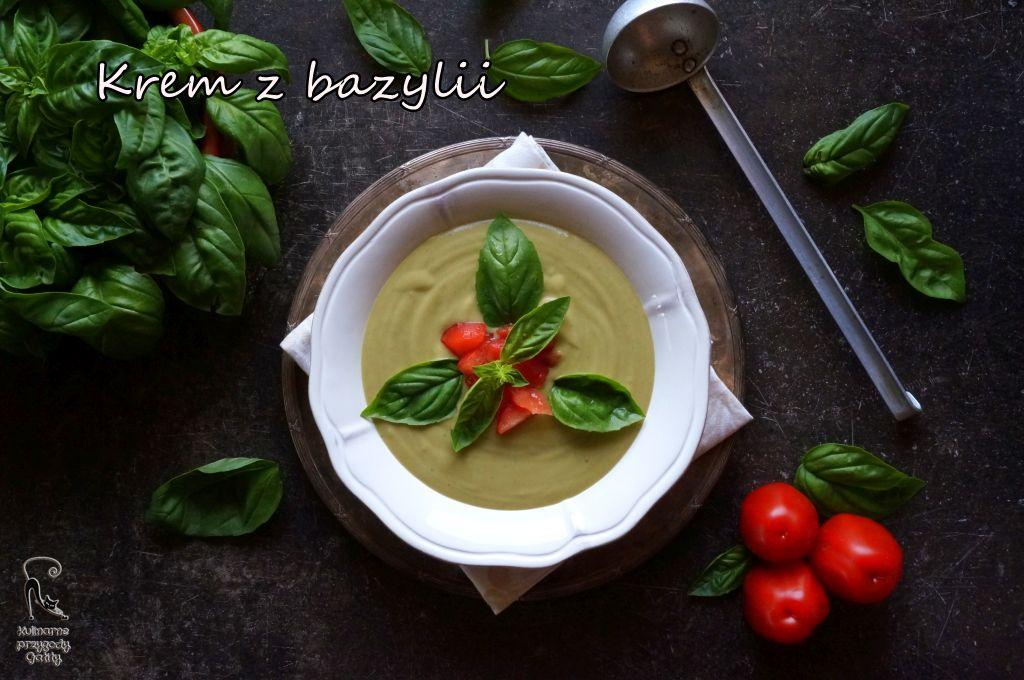 kremowa-zupa-na-talerzu