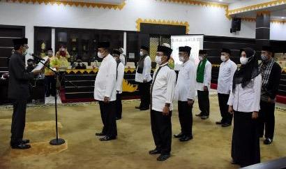 Wali Kota  Metro Kukuhkan Pengurus Masjid Taqwa