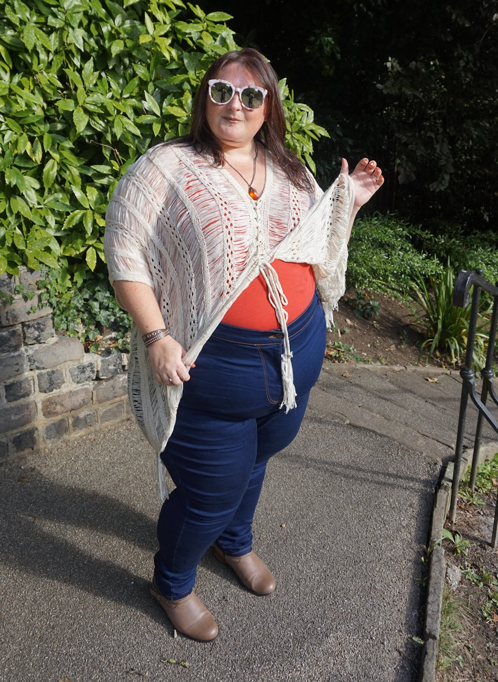 Simply Be open knit cardigan and Lucy plus size high waist jeans // www.xloveleahx.co.uk