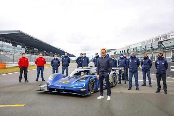 Nico Rosberg, campeão da F-1, testa do VW ID-R elétrico