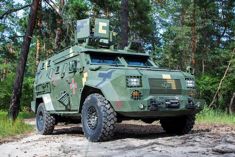 Бронеавтомобіль Барс-8 прийнятий на озброєння ЗСУ