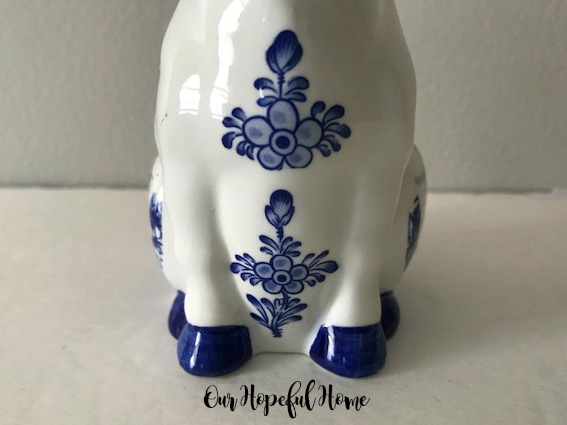 Delft Blue Cow creamer flowers hand painted Holland