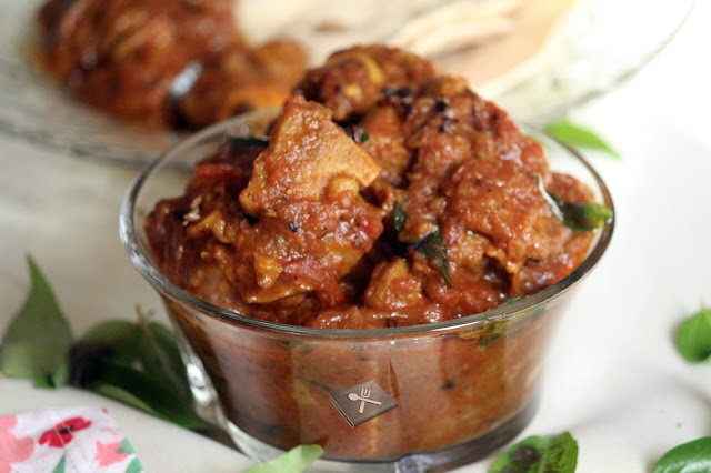 Mutton Mulakittathu / Kerala Style Red Mutton Curry