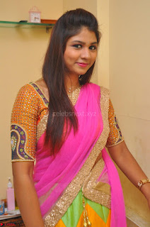 Lucky Sree in dasling Pink Saree and Orange Choli DSC 0336 1600x1063.JPG
