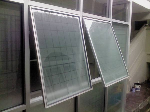 jendela minimalis aluminium