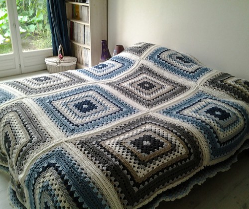 Giant Granny Square - Free Pattern