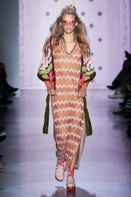Anna Sui runway fashion SS20 trends be fashion blogger Kelly Fountain