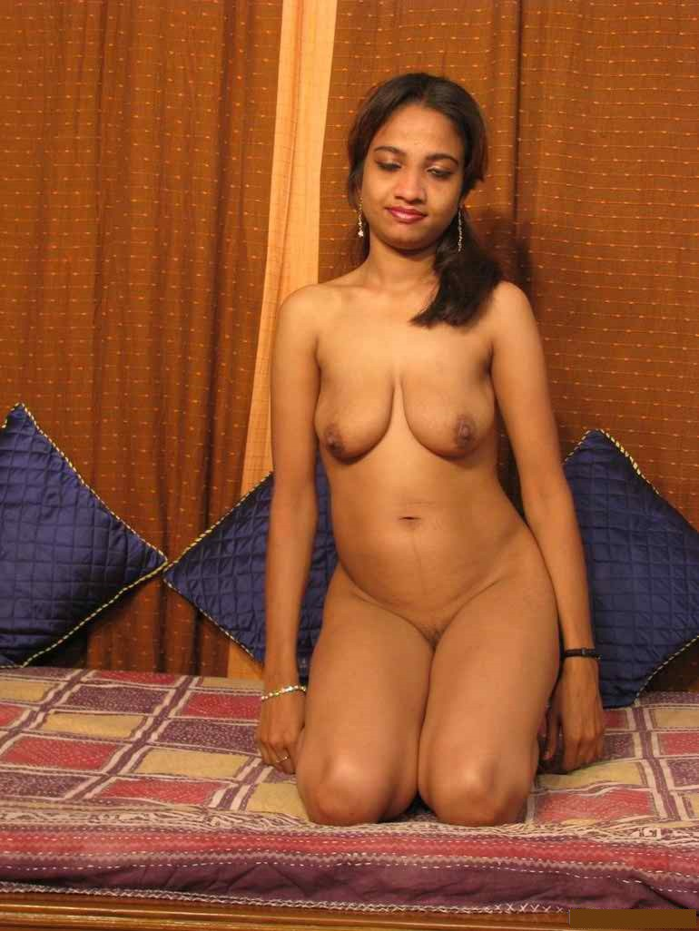 Indian Desi Aunty And Bhabhi Nude Photo Tamil Young Sexy -7893