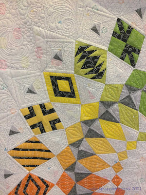 Jane's Cadence Court Quilt - Fabadashery Custom Quilting