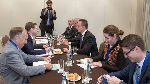 Montenegrónak és Szerbiának 2025 előtt kellene csatlakoznia az EU-hoz