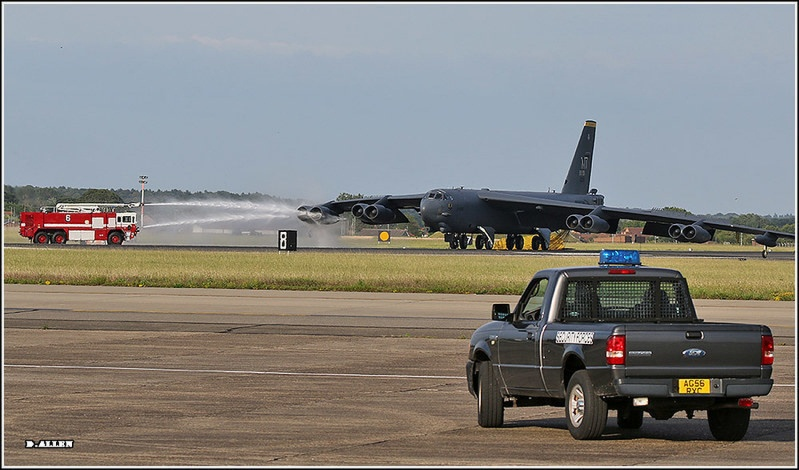 Unexpected UK landing for B-52 Straofortress surprises two men who worked together at Barksdale AFB
