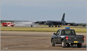 Unexpected UK landing for B-52 Straofortress surprises two men who once worked together at Barksdale AFB