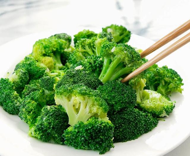 Sayur brokoli hijau