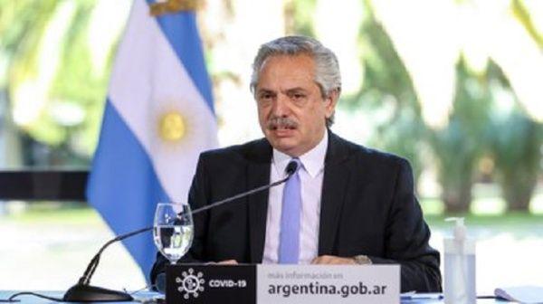 Presidente de Argentina critica postura de acreedores