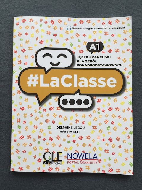 """Recenzje #132 - """"La classe"""" - okładka podręcznika pt. """"La classe"""" - Francuski przy kawie"""