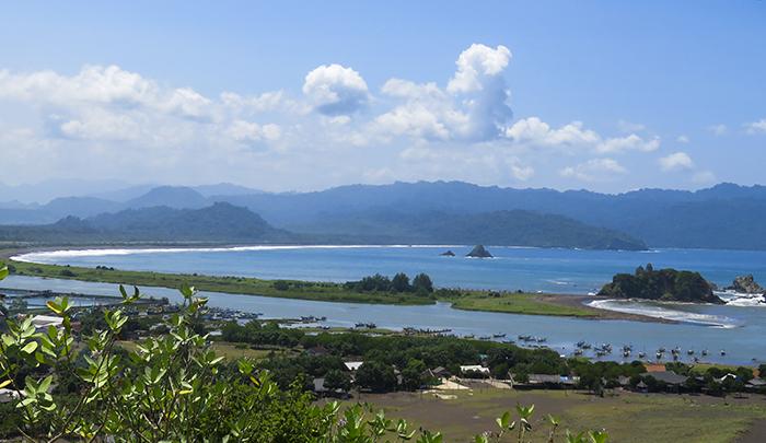 Pantai Payangan, Jember