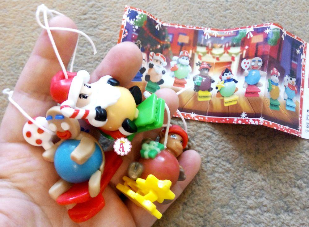 Какие игрушки в новых Kinder Joy новогодняя или рождественская серия
