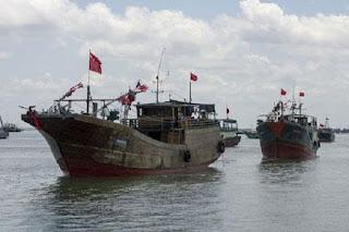 Nelayan China Kembali Berulah, Nekat Mencuri Ikan di Wilayah Perairan Korsel, Korsel Ancam Akan Tenggelamkan Kapal China yang mencuri ikan di kawasannya - Commando