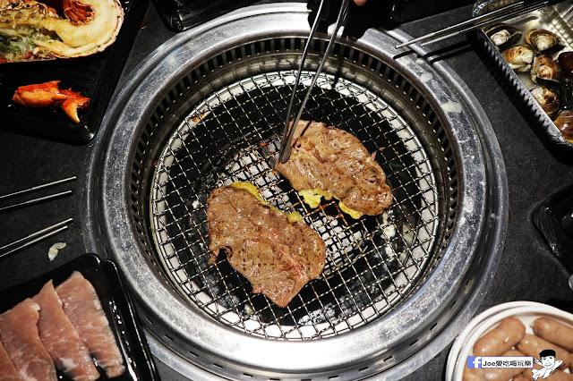 IMG 8938 - 【熱血採訪】肉多多 - 超市燒肉,三五好友一起來採購,想吃甚麼自己拿,現拿現烤真歡樂! 產地直送活體海鮮現撈現烤、日本宮崎5A和牛現點現切!