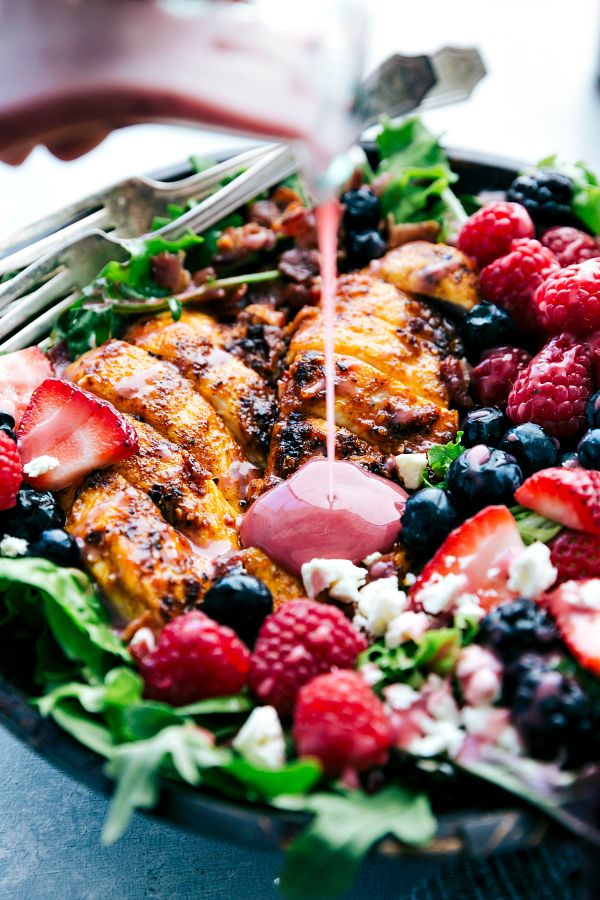 GRILLED BERRY FETA CHICKEN SALAD WITH A SWEET CHIPOTLE DRESSING #dinner #chicken #salad #yummy #easy