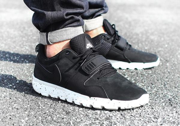 pecado amortiguar Puntuación  Prime Street Complex: Nike SB Trainerendor Black / Black Unboxing ...