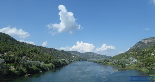 El riu Ebre a l'alçada de Benifallet