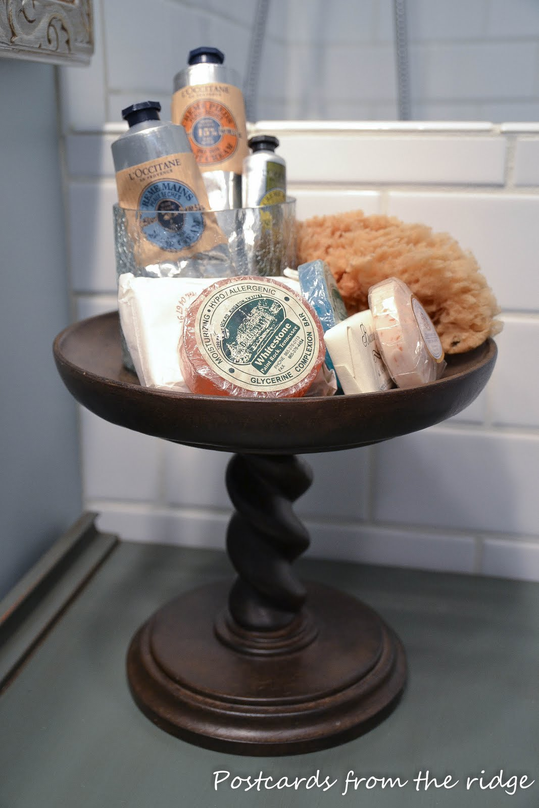 pedestal used for bathroom organization