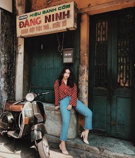 Hang Than street green rice flake cake shop