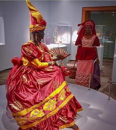 Et Sy Oumou nous contait l'histoire des Signares Sénégalaises : Culture, Signare, Oumou, Sy, styliste, costumière, danse, événement, spectacle, tradition, ethnies, LEUKSENEGAL, Dakar, Sénégal, Afrique
